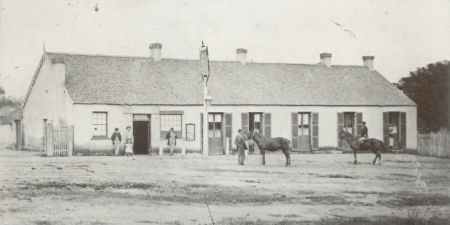 The Dog & Stile Inn of 1841, oldest surviving building in Queanbeyan (officially that's The Oaks of 1838 in Oaks Estate, now Canberra), on Macquoid St (named for Supreme Court Sheriff Thomas Macquoid owner of Tuggeranong H